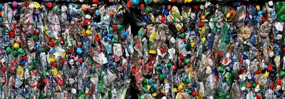 plastiche, rifiuti, imballaggi, inquinamento, riciclaggio