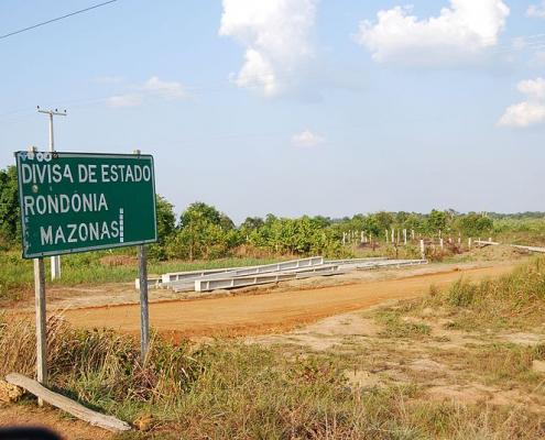 La porzione di Foresta amazzonica nello Stato di Rondônia è una delle aree oggetto di studio sul ruolo dei microbi nel favorire le emissioni di metano da parte del suolo. Foto: Ben Sutherland Attribution 2.0 Generic (CC BY 2.0)