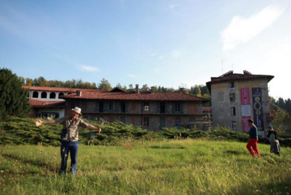 Uno dei terreni recuperati e resi nuovamente produttivi grazie al progetto Terre AbbanDonate. FOTO: Terre AbbanDonate