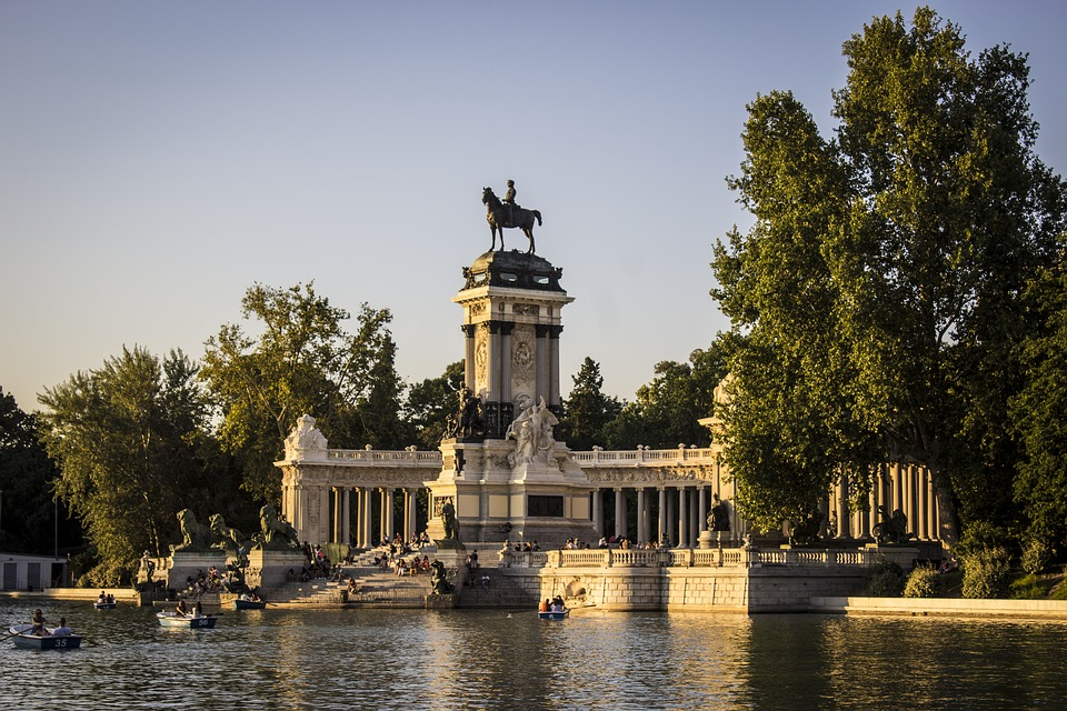 Madrid is getting greener. The five Urban Forest projects have been approved. The concept? restoring the land and its ecosystems in a 75 km ring around the Spanish capital. Photo: Pixabay License- Free for commercial use, attribution not required