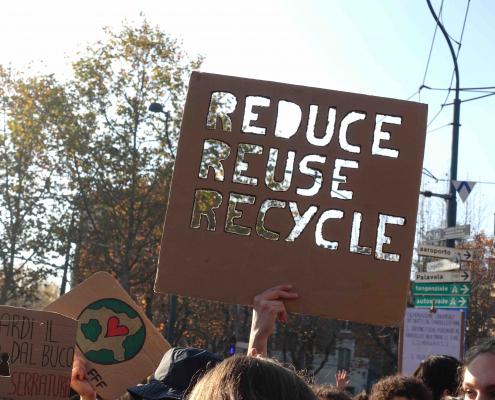 Il movimento ecologista studentesco Fridays For Future coinvolge ormai milioni di giovani in tutto il mondo.