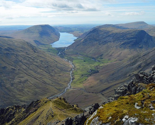 The rush of tourists and the consequences of climate change, says The Guardian, threaten the Lake District, one of the UK's most fascinating places. Photo: Doug Sim Attribution-ShareAlike 4.0 International (CC BY-SA 4.0)