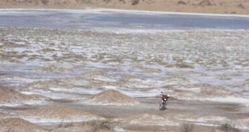 Il deserto di Ulan Buh ha ospitato la prima prova su vasta scala condotta dai ricercatori cinesi. Foto: 摩游乐 Attribution-ShareAlike 3.0 Unported (CC BY-SA 3.0)